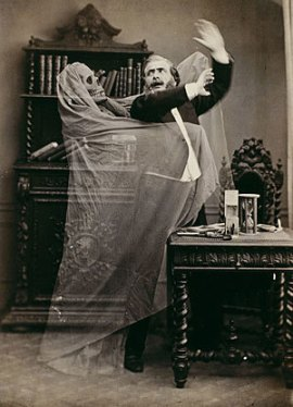 A-ghost-of-the-victorian-age-halloween-16517212-300-416